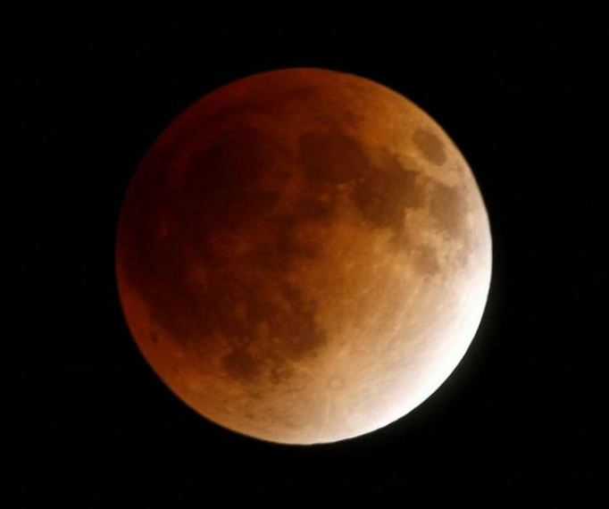 Gorgeous 'Blood Moon'